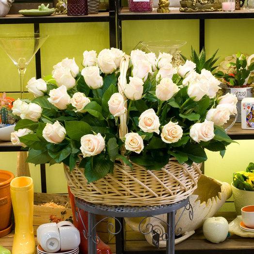 Корзина роз Crema de a crema: букеты цветов на заказ Flowwow