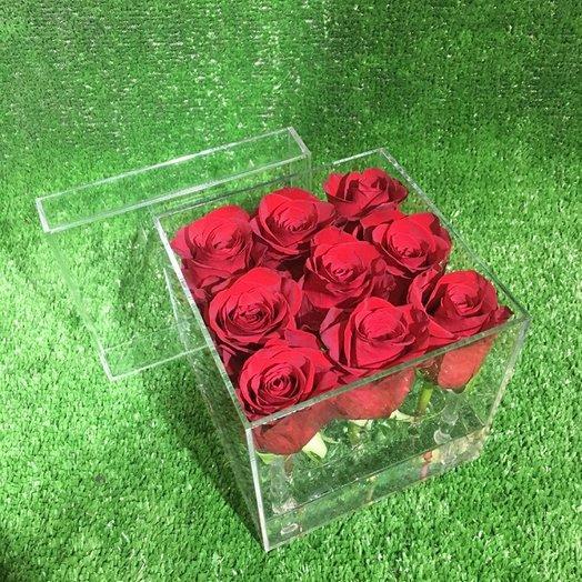 9 роз в прозрачной коробке: букеты цветов на заказ Flowwow