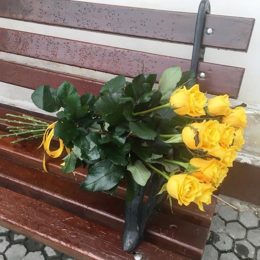 Букет из 10 желтых голландских роз 50 см: букеты цветов на заказ Flowwow