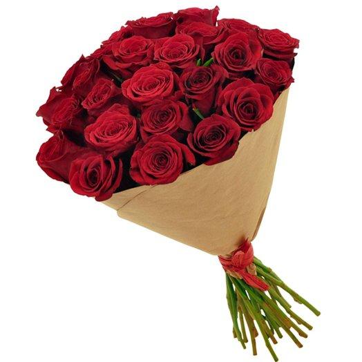 Букет красных роз (25) в крафте