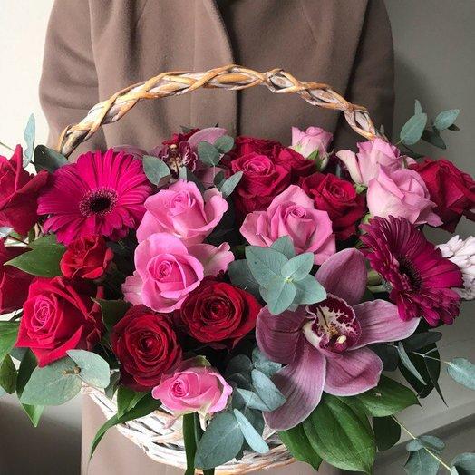 Корзина с розовыми орхидеями
