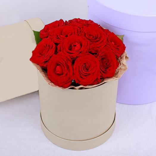 Коробка из 11-ти роз: букеты цветов на заказ Flowwow