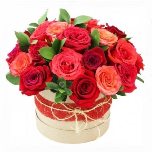 21 роза в шляпной коробке: букеты цветов на заказ Flowwow