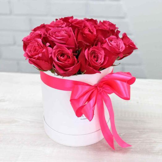 Роза в шляпной коробке 17 шт