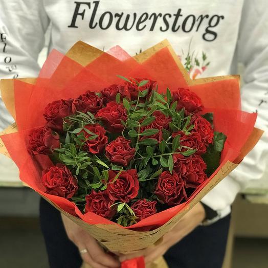 Букет из Алых  роз эльторо 19 шт . с писташ. N 256: букеты цветов на заказ Flowwow