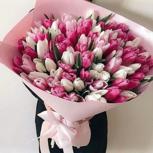 101 тюльпан в розовой упаковке: букеты цветов на заказ Flowwow
