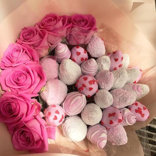 """Клубничный букет """"Mint Gum"""": букеты цветов на заказ Flowwow"""