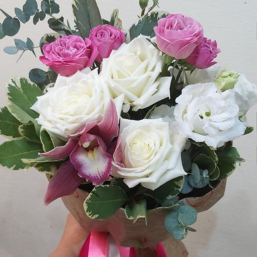 Букетик с розой и орхидеей: букеты цветов на заказ Flowwow