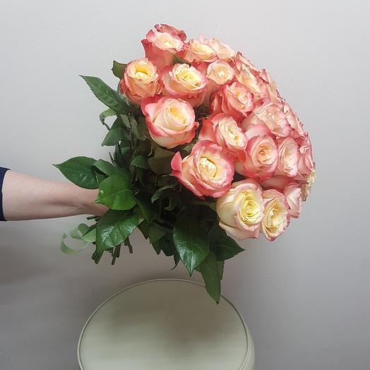 Розы кабаре: букеты цветов на заказ Flowwow