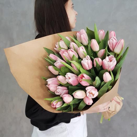 8 марта 17: букеты цветов на заказ Flowwow