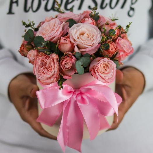 Мини комплимент. Коробка с кустовой пионовидной розой. N758