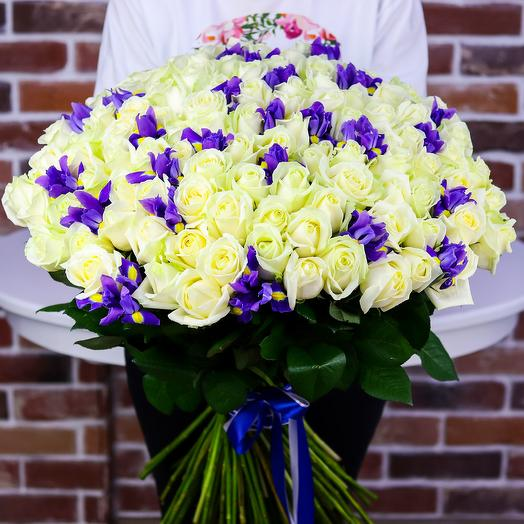Букет из 101 белой розы с ирисами. N809