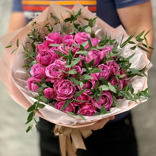 Букет роз Мисти Баблс с эвкалиптом