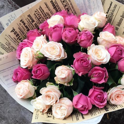 Монобукет из кустовых пионовидных роз