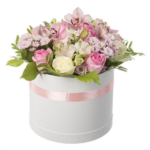 """Цветы в шляпной коробке """"Очарование"""""""