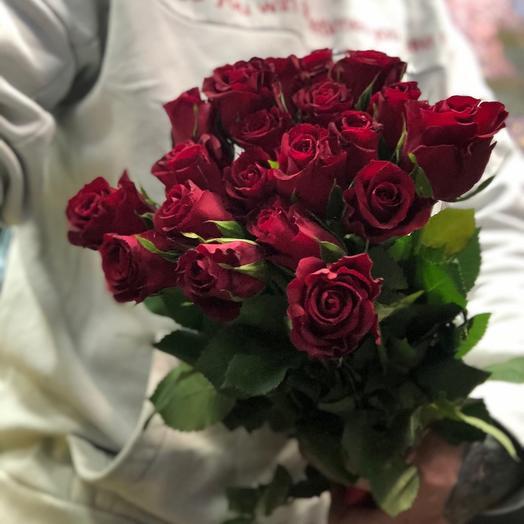 21  красная кенийская роза