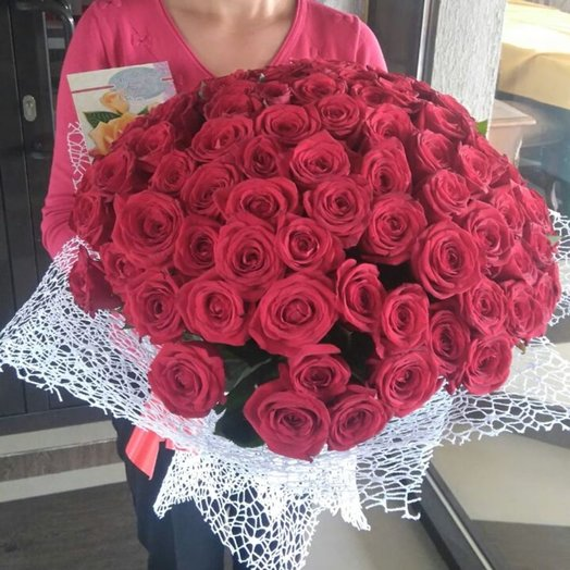 Букет 101 красная роза тепличная