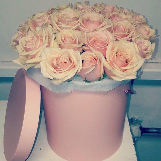 39шт кремовых роз