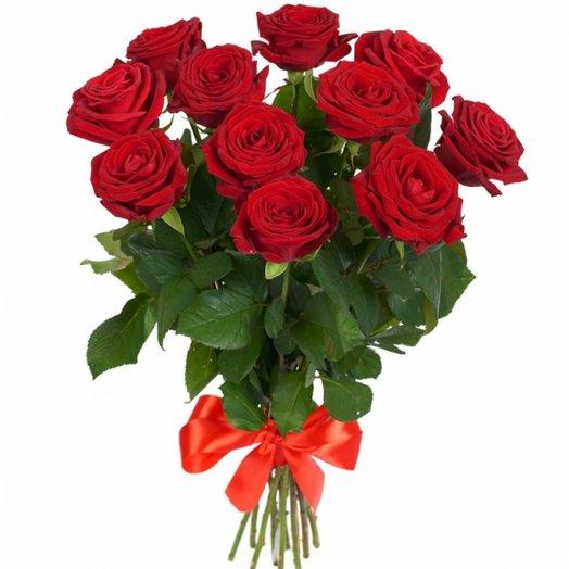 11 прекрасных красных роз: букеты цветов на заказ Flowwow