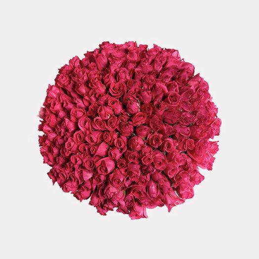 151 ярко - розовая роза: букеты цветов на заказ Flowwow
