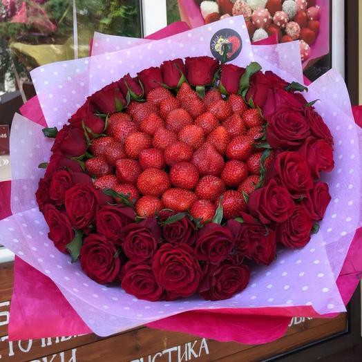 Букет из клубники с красными розами «для любимой»: букеты цветов на заказ Flowwow