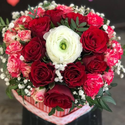 Сердечная брошь: букеты цветов на заказ Flowwow