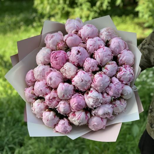 39 Пионов: букеты цветов на заказ Flowwow