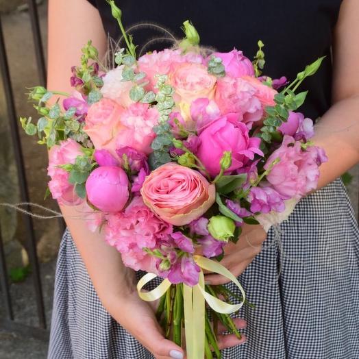 Яркий розовый букет