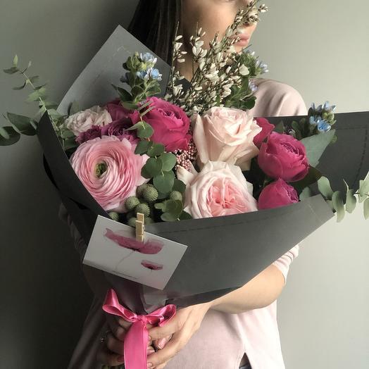 Букет с ароматными розами