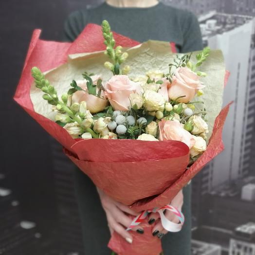 Пышный красавец: букеты цветов на заказ Flowwow