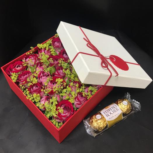 Комплемент с розами: букеты цветов на заказ Flowwow