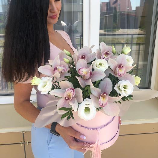 Коробка «Нежность» с орхидеями