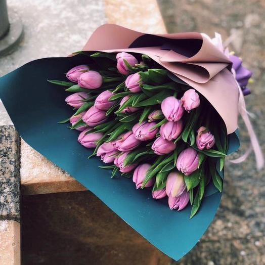 25 пионовидных тюльпанов