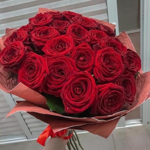 Лэсси - 25 Ароматных Бордовых Роз