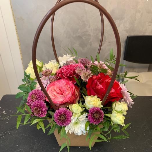 Корзина с цветами «История любви»