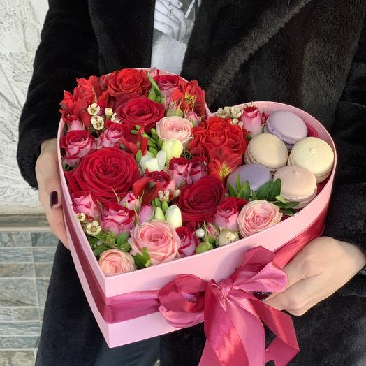Коробка Цветов и Макарон