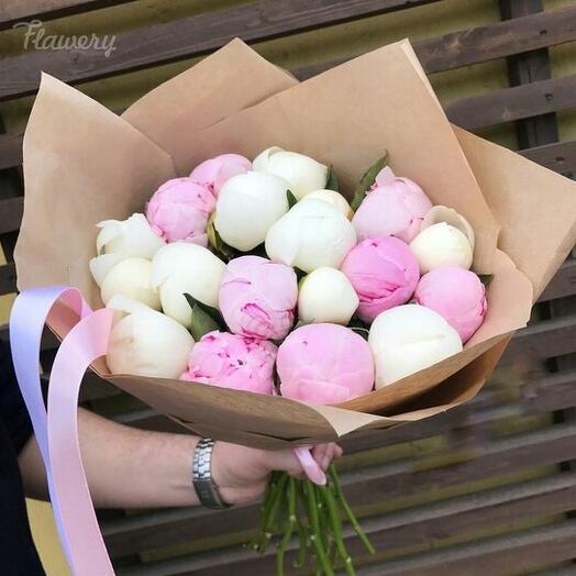 Пионы розовые и белые голландские