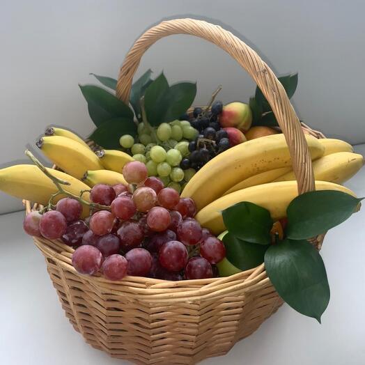 Корзина с фруктами большая