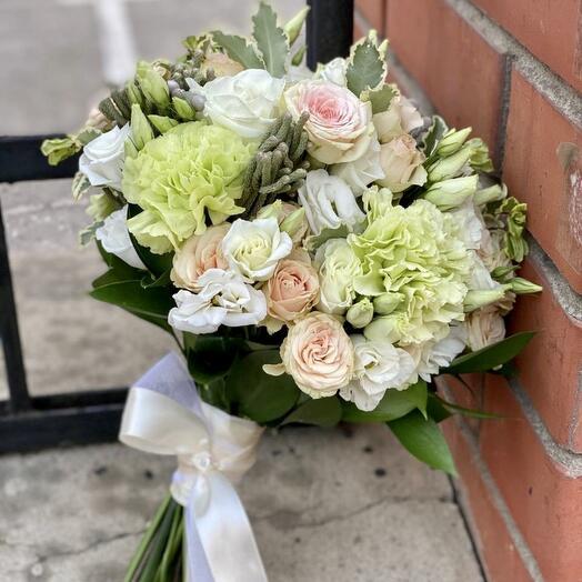 Букет невесты персиковые и фисташковые оттенки