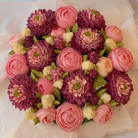 A delicious bouquet of 19 cupcakes: peonies, chrysanthemums and hyacinths