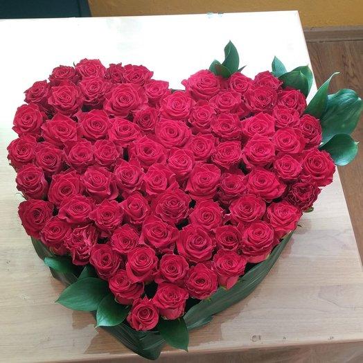 Сердце из красных роз: букеты цветов на заказ Flowwow