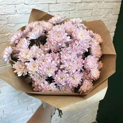 Хризантема в крафте: букеты цветов на заказ Flowwow