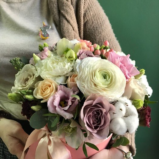 Шляпная коробка розово-лавандовая: букеты цветов на заказ Flowwow