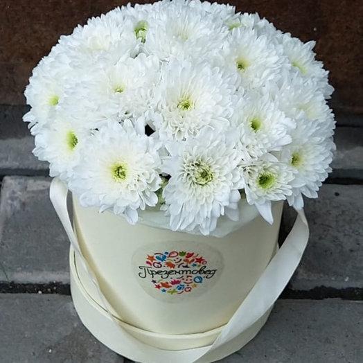 Мини коробочка с хризантемами S: букеты цветов на заказ Flowwow