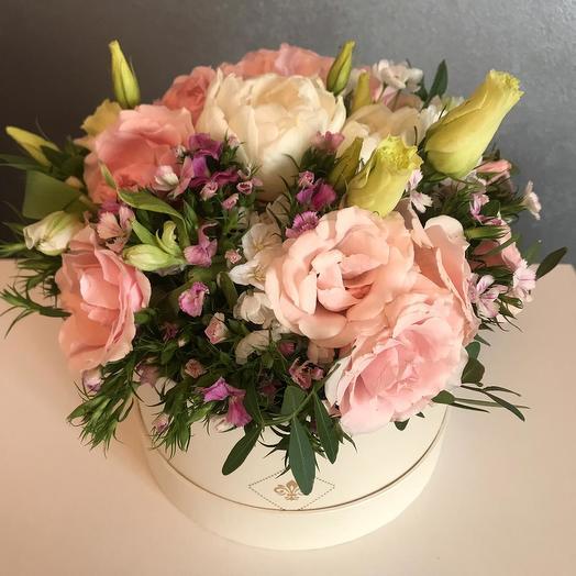 Букет в коробке нежность: букеты цветов на заказ Flowwow
