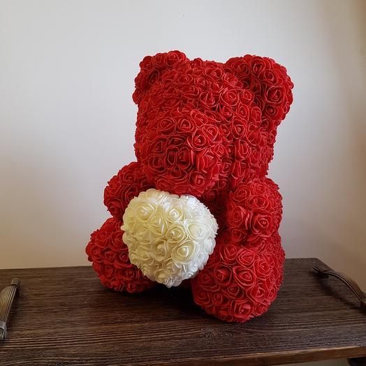 Teddy с сердцем: букеты цветов на заказ Flowwow
