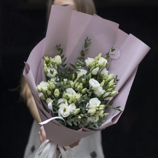 Букет-комплимент: белая эустома: букеты цветов на заказ Flowwow
