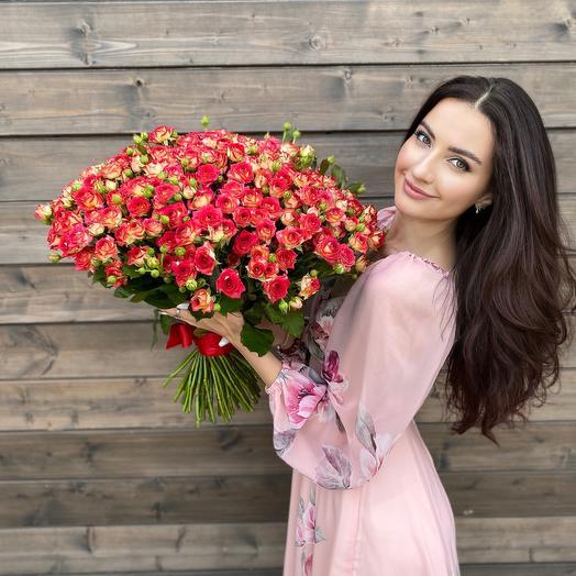 Букет из кустовой розы Рубелла 51 шт