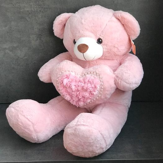 Розовый медведь с сердцем