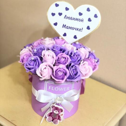 Мыльные розы в коробке любимой мамочке